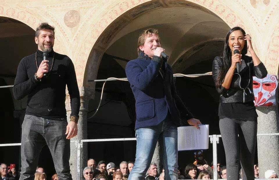 Marco Clerici con Juliana Moreira ed Edoardo Stoppa (Foto Lattari)