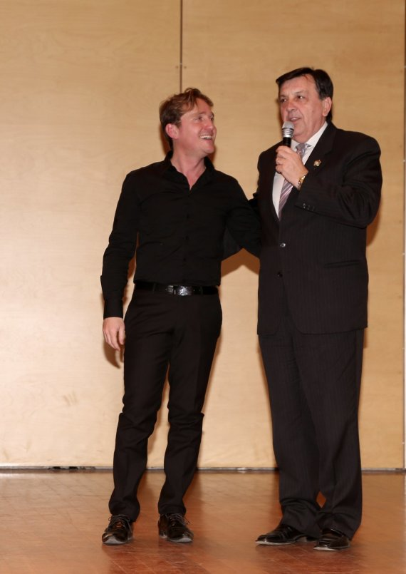Marco Clerici con il presidente CRI Giancarlo Pozzato