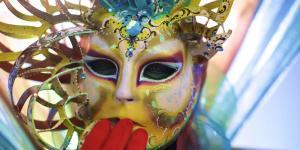 Carnevale-di-Venezia-tra-costumi-e-maschere-10